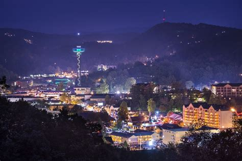 5 Bedroom Cabins In Gatlinburg Tn things to do in gatlinburg at night that are sure to impress