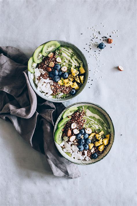 Green Detox Smoothie Bowl by Rejuvenating Green Smoothie Bowl The Awesome Green