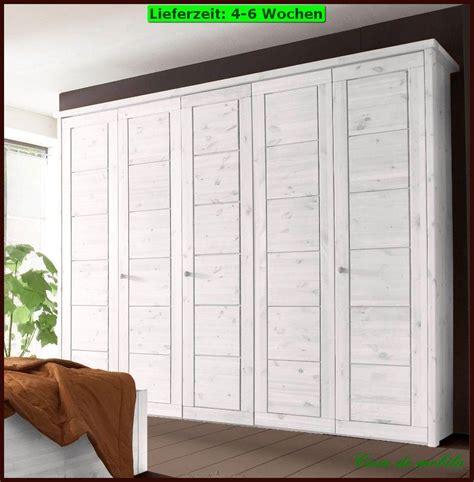 Schlafzimmerschrank Holz by Massivholz Kleiderschrank Kiefer Wei 223 Schlafzimmerschrank