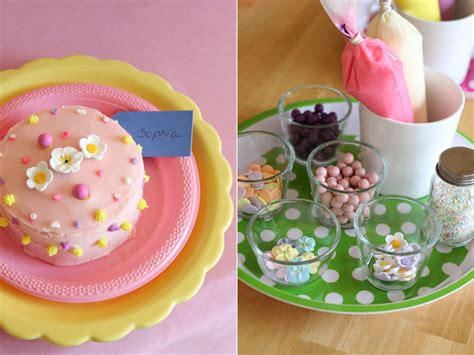 Cake Bake And Decorate by Grace S Cake Decorating Glorious Treats