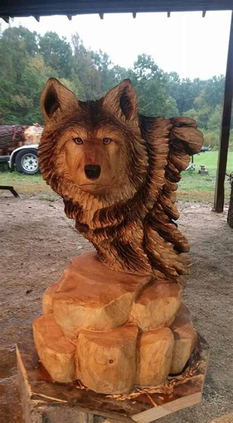 wolf carving chainsaw wood carving carving wood dog