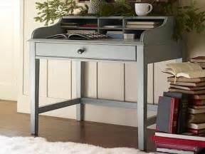 Small Desk For Small Spaces Small Desks For Small Spaces Studio Design