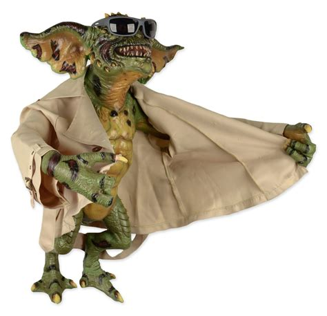 Wholesale Giftware And Home Decor Gremlins 2 Prop Replica Stunt Puppet Flasher Gremlin