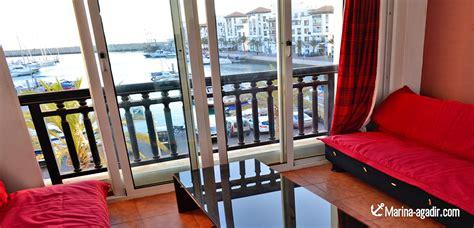 location appartment location appartement de deux chambres vue sur le quai port