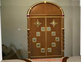 Modern Pooja Room Door Designs - pooja room designs in living room you deserve admirable things in your life step into perfect