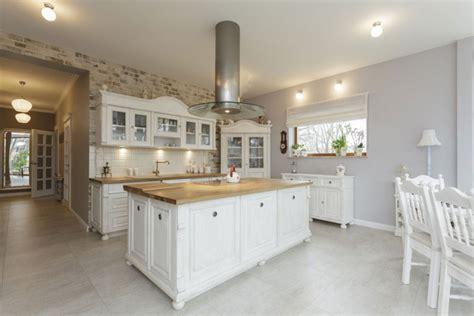 moderne holzmöbel wohnzimmer homestory 252 ber moderne landhausk 252 che massiv aus holz