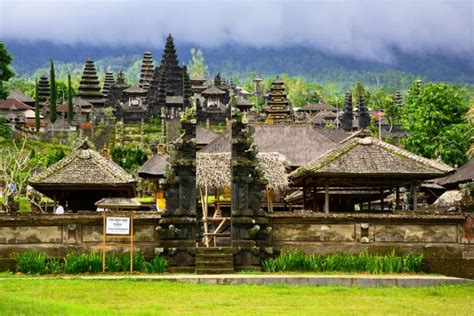 10 Top Things To Do In Indonesia Arrestedworld