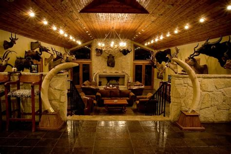 the hunt room 1000 ideas about trophy rooms on deer mounts taxidermy decor and cave