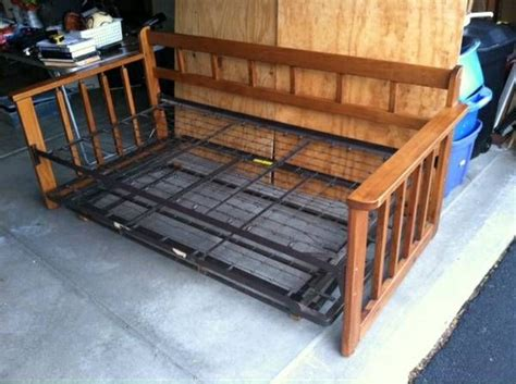 craigslist trundle bed pin by gretchen hoenecke on the spotted fish cottage pinterest