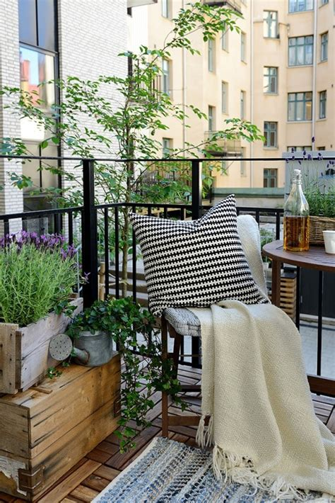 31 creative yet simple summer balcony d 233 cor ideas to try