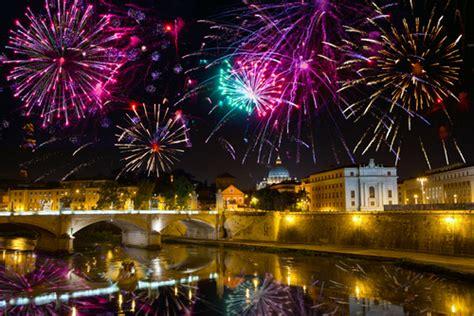 the top italian national holidays christmas carnevale