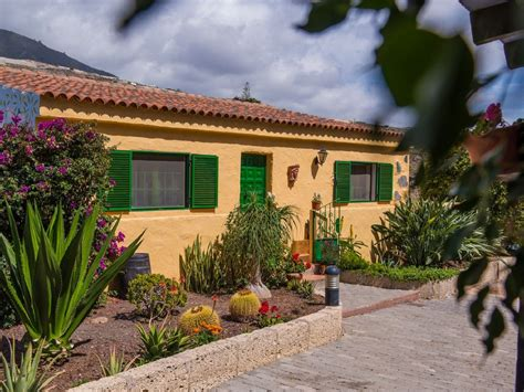 Villa Set 5 rural villa set in a finca with a heated swimming pool 6 minutes from guia de isora