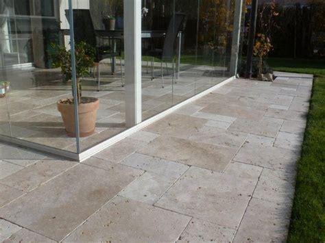 terrasse travertin kundenfoto ravertin platten medium rv mit sonnenschirm