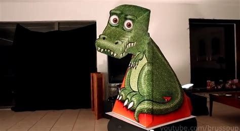 Papercraft Illusion - amazing papercraft dinosaur optical illusion solopress