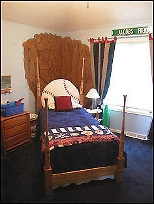 boys sports bedroom sports room ideas for midgets squatting in my house 10939 | 24bb8e178d83054eadc6d30ab1657a9a