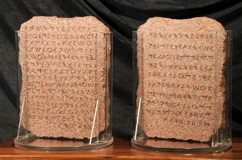 le 12 tavole romane creation of the phonetic alphabet about 3 000 years ago