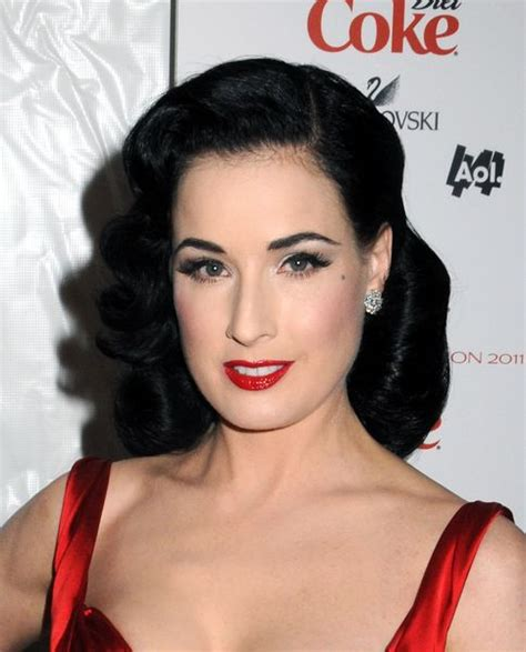 Soft Pin Up Hairstyles by Reminiscent Of 1940 S Hairstyles Dita Likes To Wear