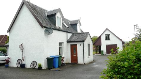 Riverbank Cottage by 4 Bedroom Detached House For Sale In Riverbank Cottage 96