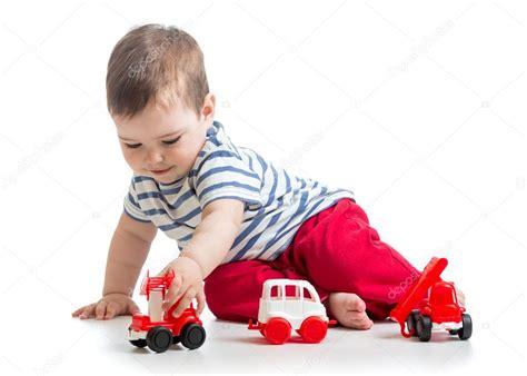 imagenes de niños jugando con sus juguetes beb 233 ni 241 o peque 241 o ni 241 o jugando con coches de juguete