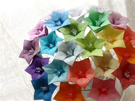 Simple Origami Flower Bouquet - 126 best images about flowers on origami paper