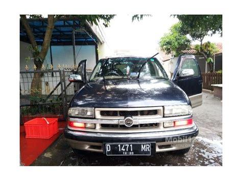 Mobil Opel Blazer Dohc Tahun 2000 jual mobil opel blazer 2000 dohc lt 2 2 di jawa barat