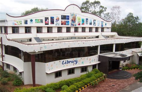 fees structure  courses  chaitanya bharathi institute  technology cbit hyderabad