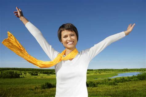 imagenes estar alegre 6 h 225 bitos de las personas felices y efectivas