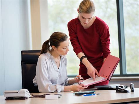 Office For Employees by How To Deal With A Difficult How To Handle A Bad