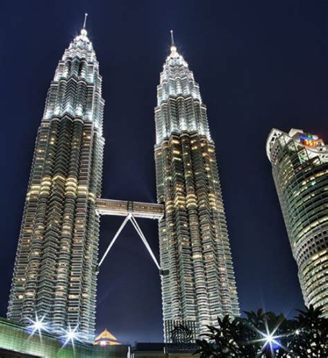 amazing the most famous architecture in the world ideas men daily s list of the top 10 most amazing buildings in