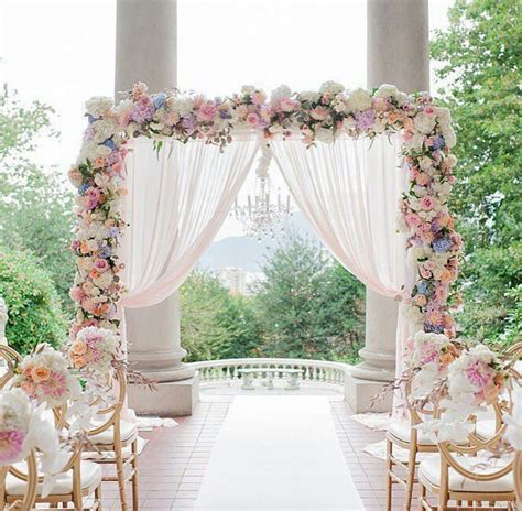 Pretty pink wedding decor   Planting and garden ideas