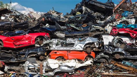 Auto Verschrotten öhringen by Pile Of Used Cars Car Scrap Yard Stock Image Image Of
