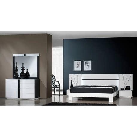 Destockage Salle De Bain 7037 chambre adulte contemporaine laque blanc et noir