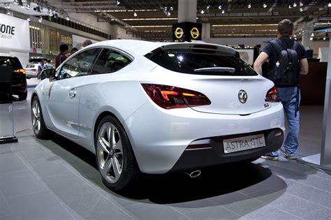 Foto: Beurzen Frankfurt 2011 Opel Astra GTC 2012 Opel