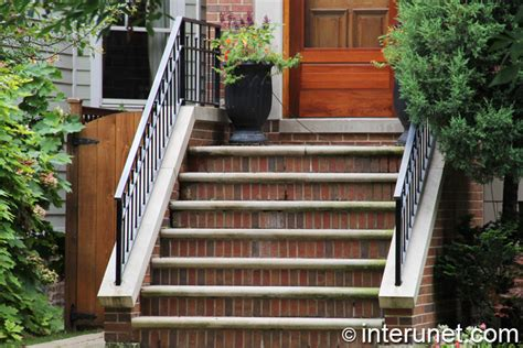 How To Build A Small Home front house entrance built with bricks interunet