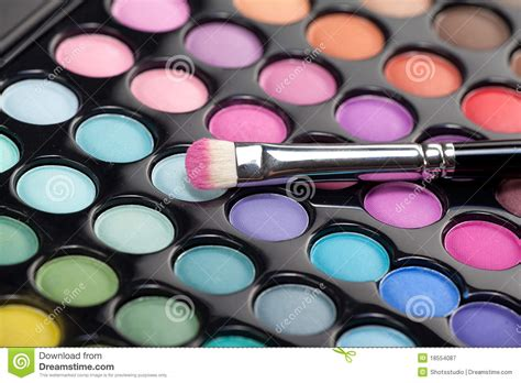 Eyeshadow Free eyeshadow kit with makeup brush stock image image of