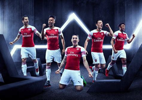 arsenal squad 2018 arsenal reveal 2018 19 home kit as new squad numbers are