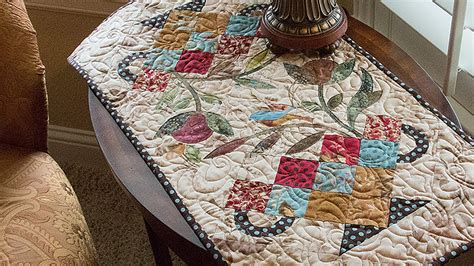 pattern quilt table runner candy dish table runner quilt pattern by edyta sitar of