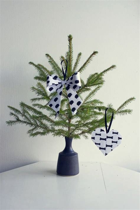Origami Tree Decorations - fancy and inventive diy decorations for a merry