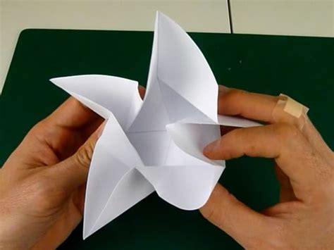 5 Pointed Origami - folding 5 pointed origami ornaments