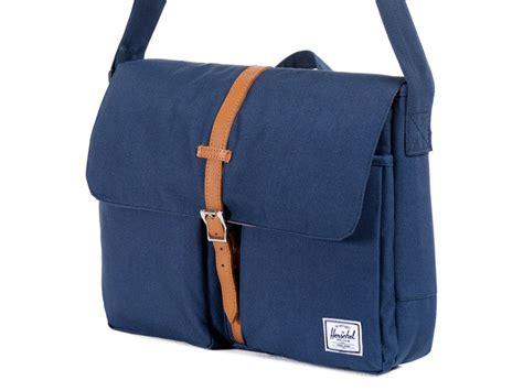 Herschel Macbook Tas herschel columbia messenger 13 inch laptoptas navy