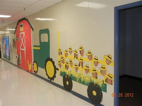farm themed classroom decorations best 25 farm bulletin board ideas on farm