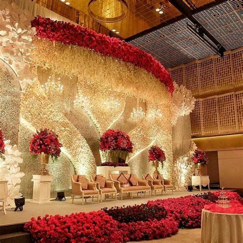 Best 25  Indian wedding stage ideas on Pinterest   Indian
