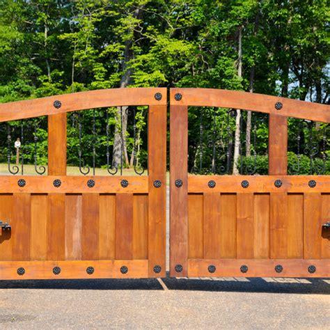 Gate Repair Dallas Electric Gate Repair Services 214 980 Call Overhead Door