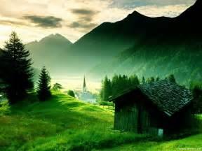 sfondo montagna verde