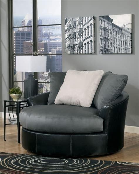 Declain Oversized Swivel Accent Chair In Sand Ashley Masoli Cobblestone Swivel Chair