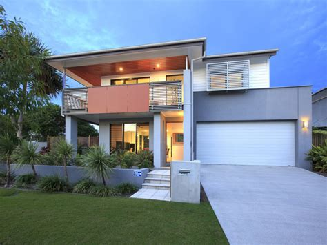 Weatherboard Home Design by Concrete Modern House Exterior With Balcony Amp Decorative