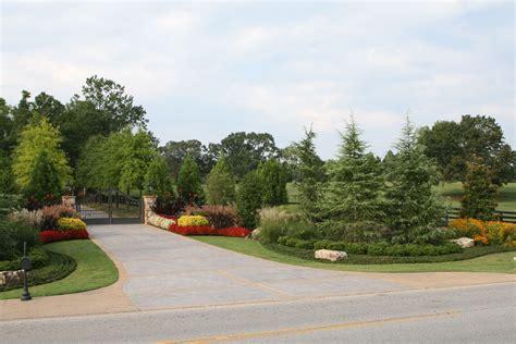 Garden Driveway Ideas Driveway Entrance Landscaping Ideas Driveway Entrance