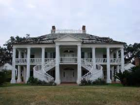 plantation style homes for sale in texas