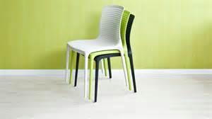 chaise empilable gain d espace et praticit 233 westwing