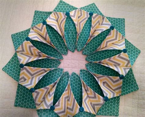 origami sewing table 526 best fold 180 n stitch wreath images on wreath